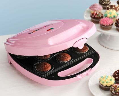 The Weekend Gourmet Review and Giveaway Babycakes Cupcake Maker