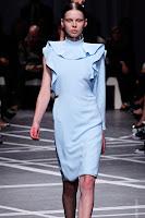 Асиметрична рокля с един ръкав Givenchy пролет-лято 2013