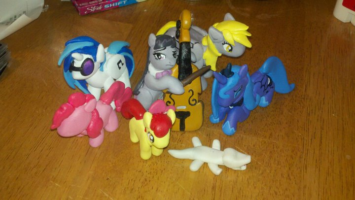Equestria Daily   MLP Stuff            Equestria Daily Eneha  the creator of these awesome clay ponies above is gauging interest for a weekly raffle  where people can buy tickets and try to win their choice of