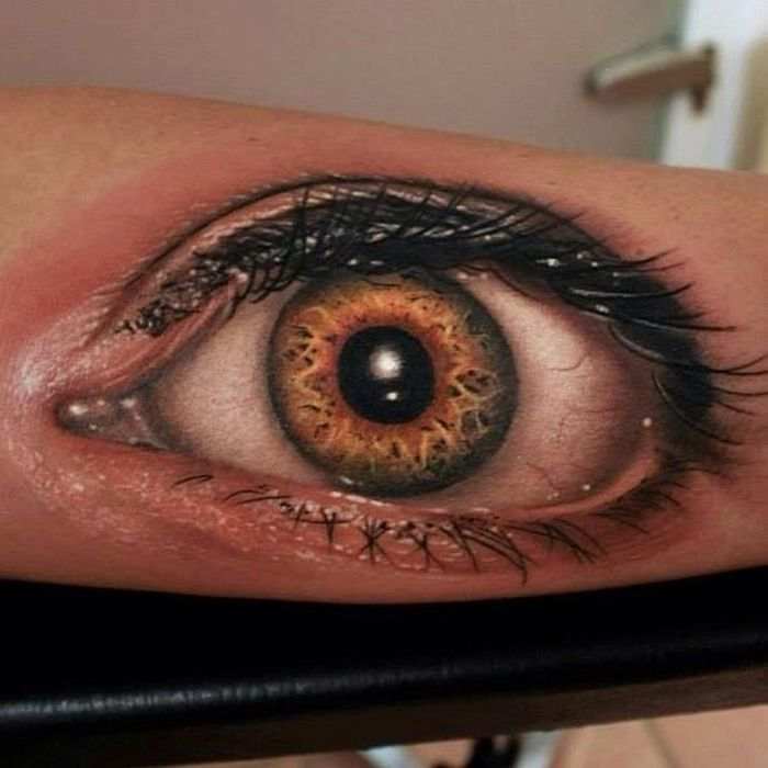 Creepy hyper realistic tattoos damn cool pictures for Eye tattoo images