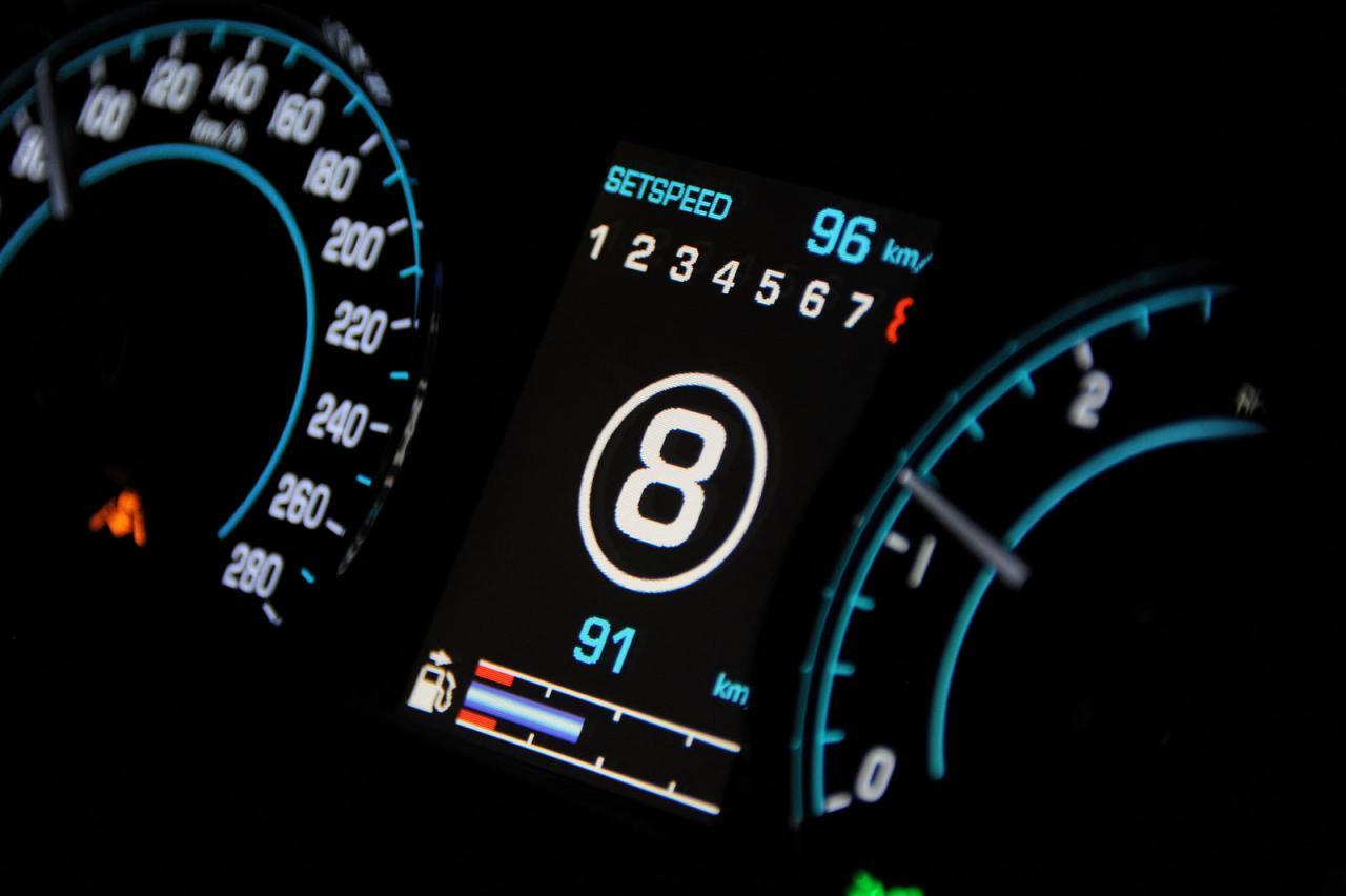 Jaguar+XF+ve+XJ+2.jpg