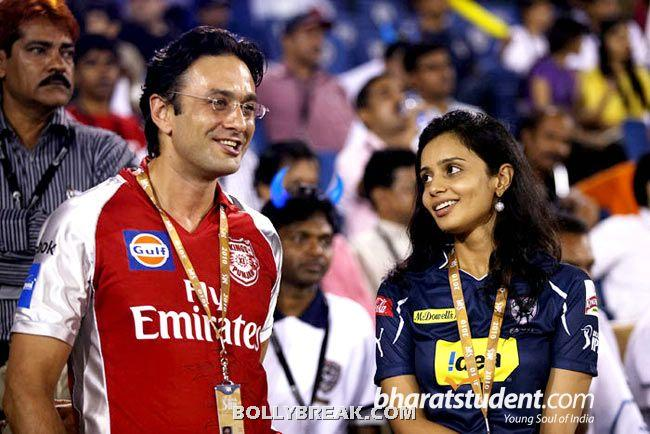 gayatri reddy with nes wadia - (37) - Gayatri Reddy Hot Pics at IPL Matches