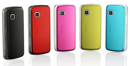 Nokia 5230 renkli telefonlar.