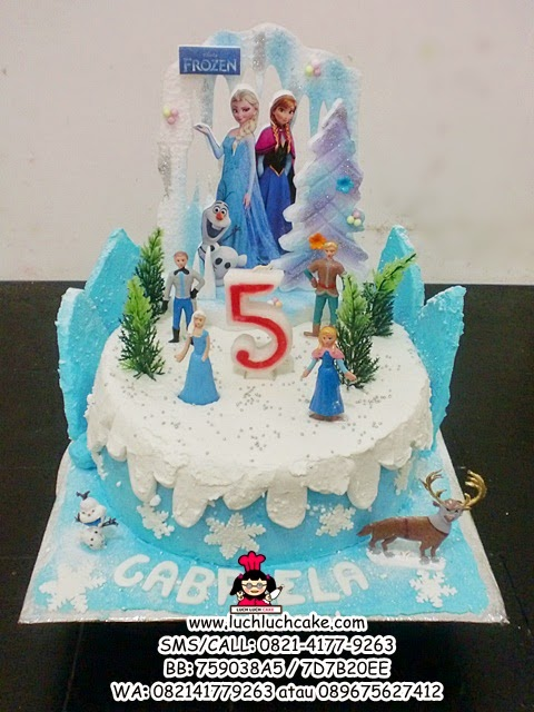 Birthday Cake Buttercream Elsa and Anna Daerah Surabaya - Sidoarjo