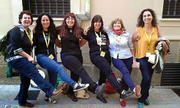 Animado grupo de bloggers