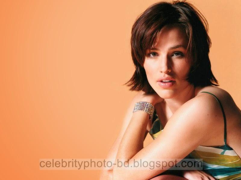 Jennifer+Garner+Latest+Hot+Photos+With+Short+Biography006