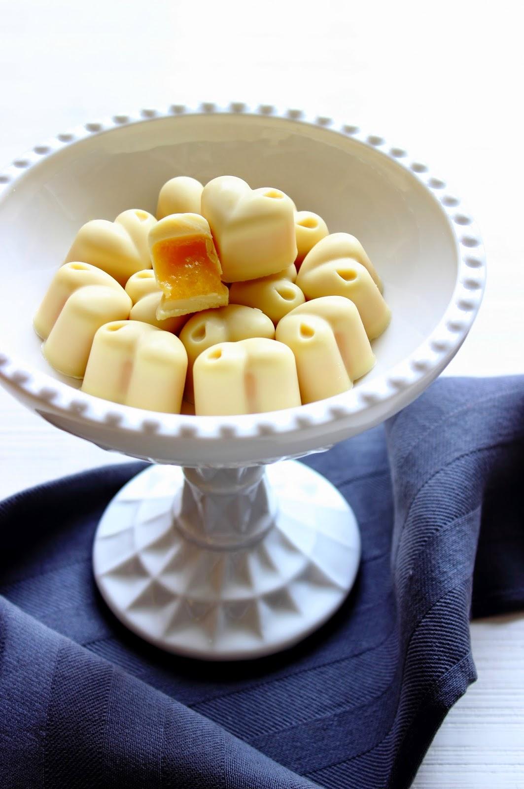 Witte chocolade sinaasappel bonbons