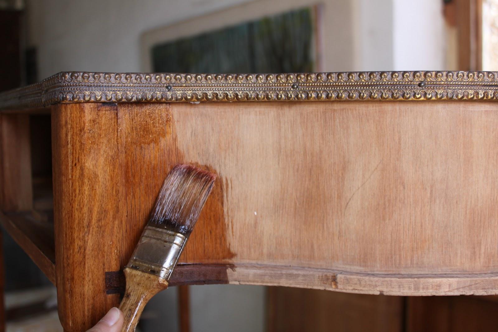 Reparaci n profesional de muebles de madera carpinter a en madrid presupuesto gratis - Restaurar muebles de madera barnizados ...