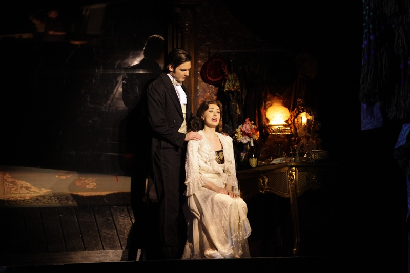 Review Roundup: THE PHANTOM OF THE OPERA in Manila; Show Must Close 10/14