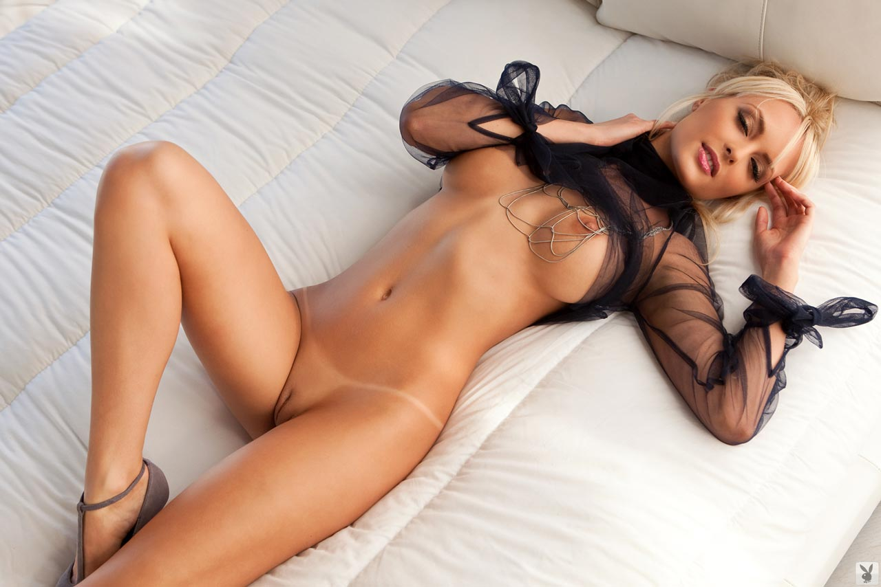 Фото моделей без белье голые 8 фотография