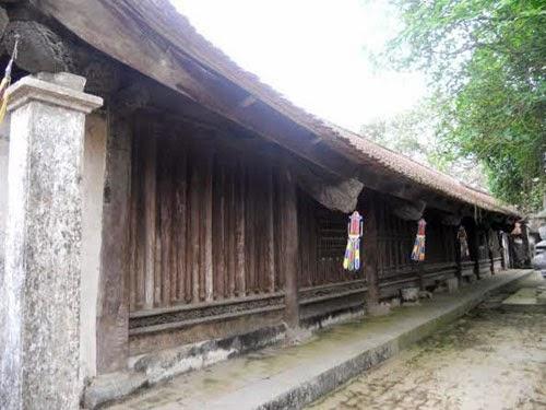 Là một trong những ngôi chùa cổ và có kiến trúc độc đáo của tỉnh Bắc Ninh nói riêng và của Việt Nam nói chung, chùa Bút Tháp là điểm đến tâm linh của nhiều du khách trong và ngoài nướ
