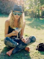 Un buen trago no viene mal cuando pega la vida con tanta sed