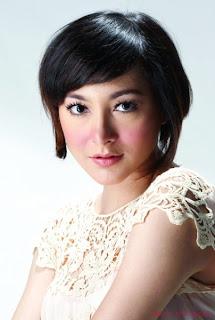 Dewi Rezer - Artis Hot