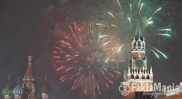 10 Tradisi Tahun Baru Terunik yang Ada di Dunia