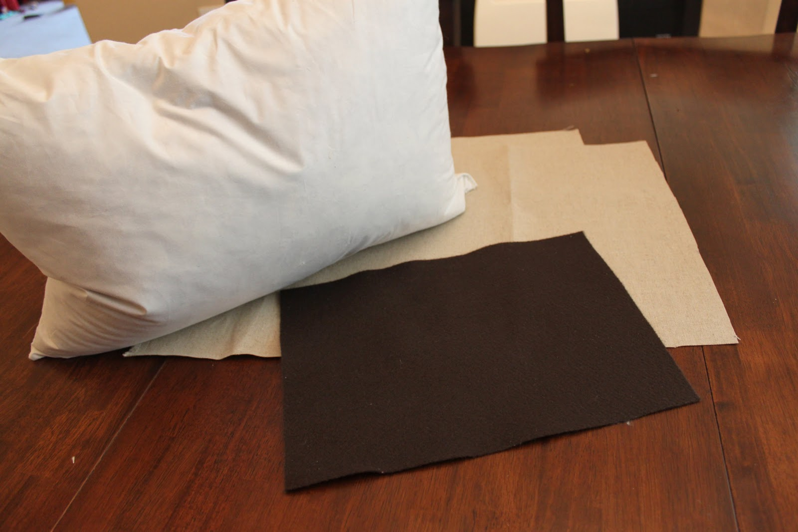 The Sweet Survival: DIY Felt Monogram Pillow