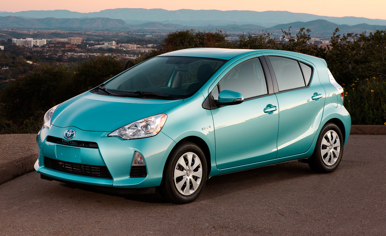 Toyota prius cars submited images