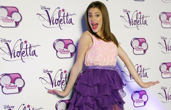 Queres cantar y bailar las canciones de violetta??!!!