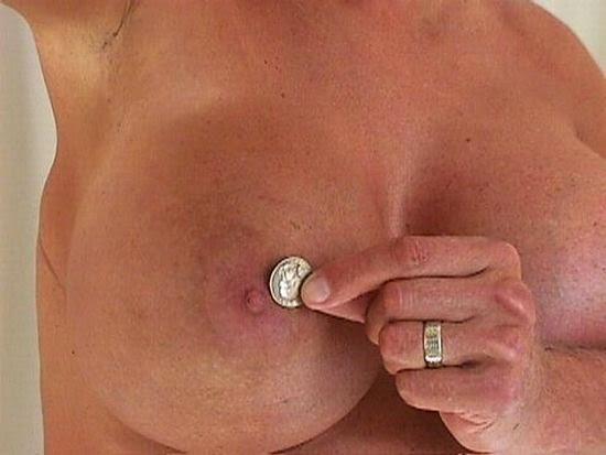 Обнаженная грудь