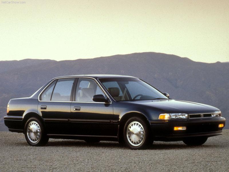 spesifikasi warna hitam tahun 1990 mesin cc 2000 manual automatic