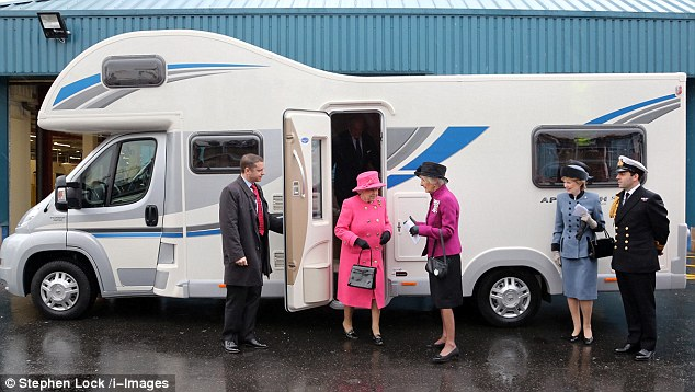 Whole Story Dailymailcouk Femail Article 2236823 Queen Goes Glamping Luxury Motorhome Jubilee Trip Bristol Declares Real Home