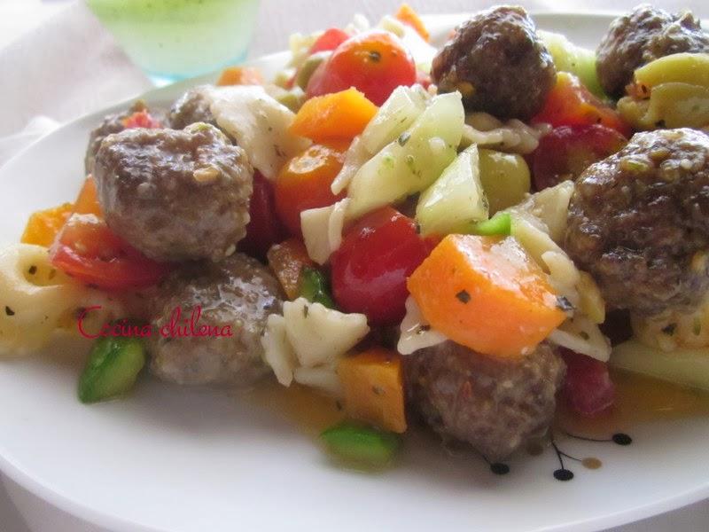 Ensalada de pastas corbatitas y carne cocina chilena for Como cocinar corbatitas