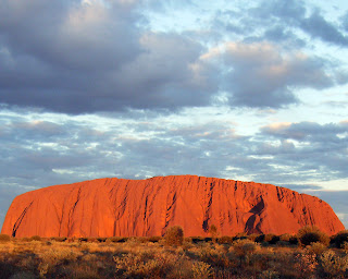 (Australia) –Getting to  Uluru (Ayers Rock)