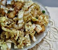 Salada de Acelga com Abacaxi e Molho de Vinagre Balsâmico
