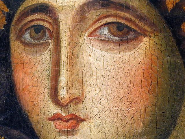 Λεπτομέρεια του προσώπου της Θεοτόκου, από τη σπάνια βυζαντινή εικόνα της Παναγίας Αγιοσορίτισσας.