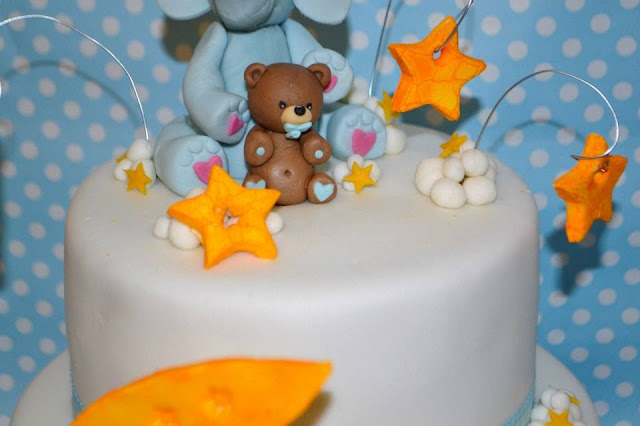 Modelado Osito topper estrellas nubes  tarta fondant pasta de goma