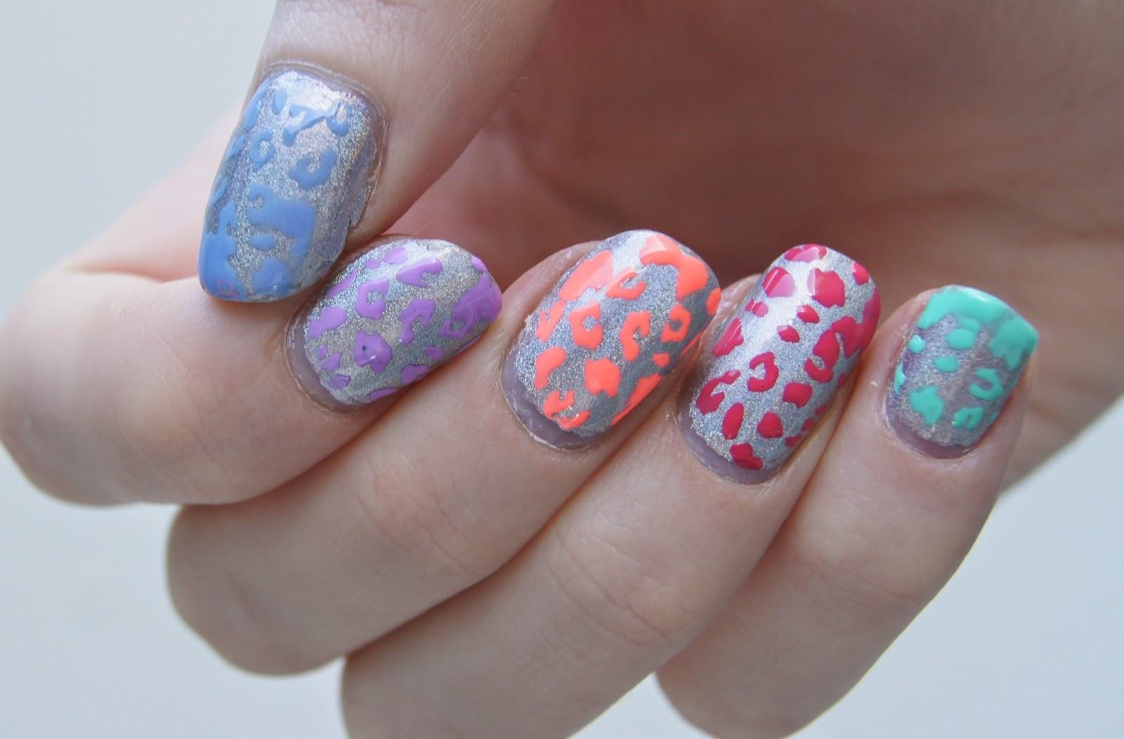 nail art motif leopard été