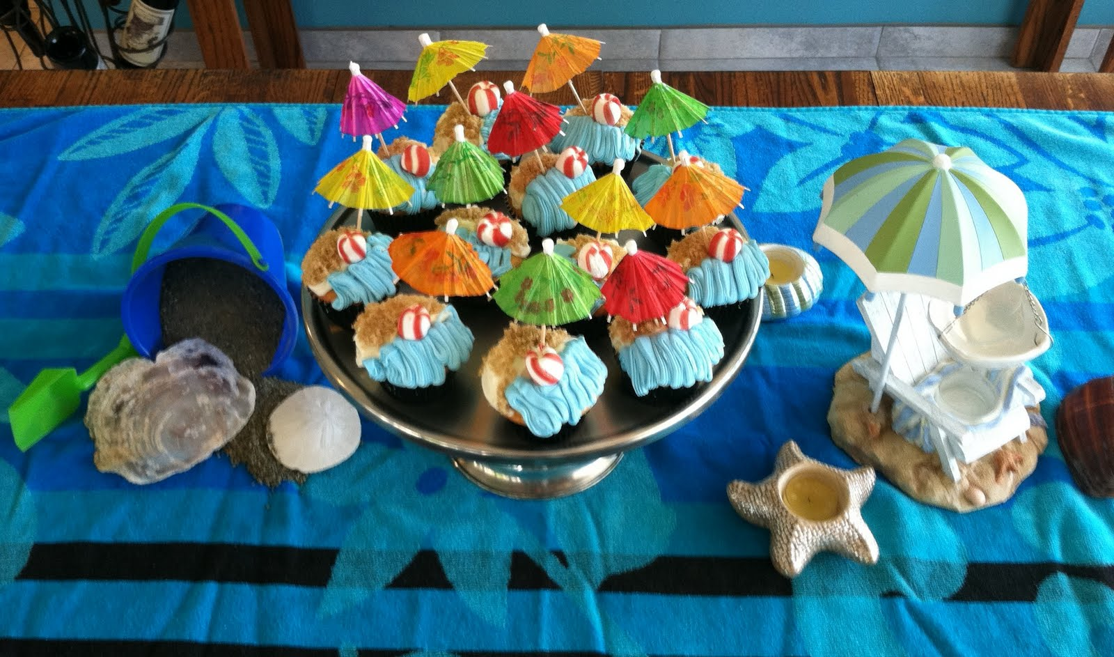 Grammie gabs beach party for Indoor party decoration ideas