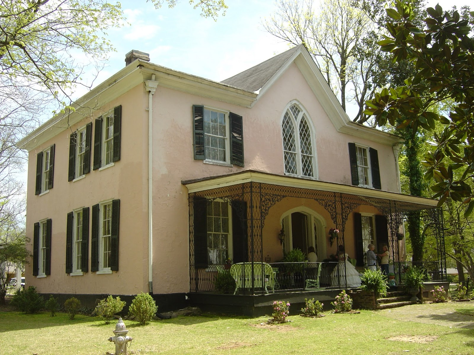 The devoted classicist pilgrimage to holly springs for Home builders in ms