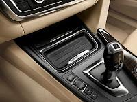 2013 BMW 3-Series (F30) 328i Sedan Luxury Line Interior Centre Console