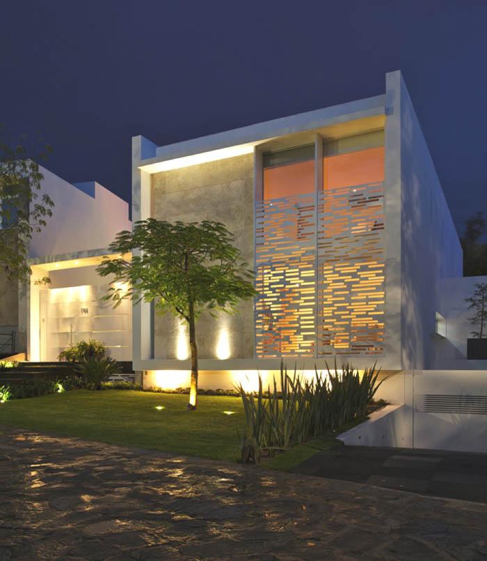 Casas minimalistas y modernas casa minimalista en mexico - Iluminacion de exterior ...