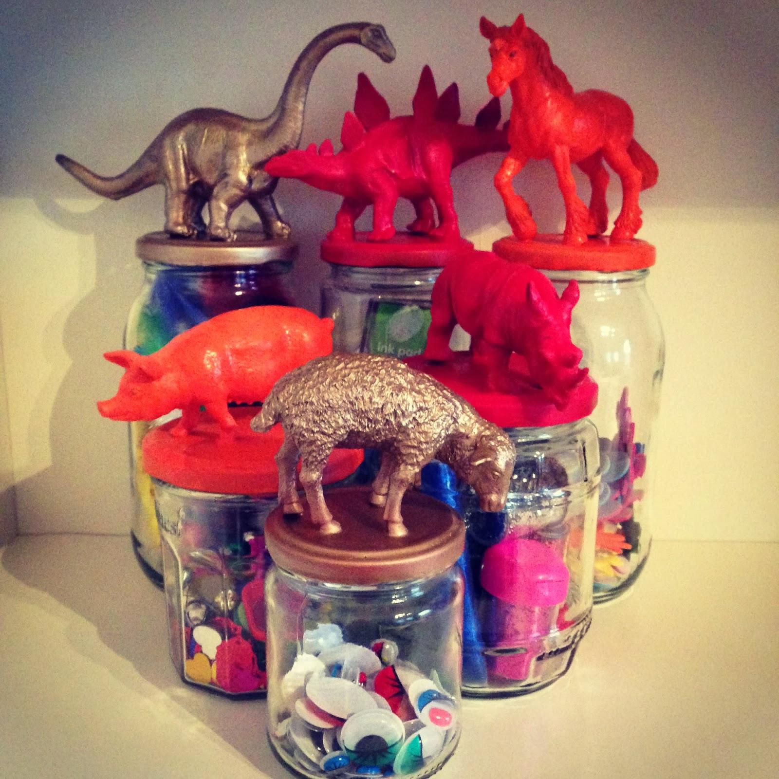 ioswyt animal storage jars. Black Bedroom Furniture Sets. Home Design Ideas