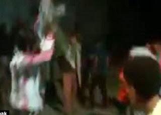 """Durante boda en Yemen, invitado dispara su AK-47 mientras baila el """"Gangnam Style"""""""