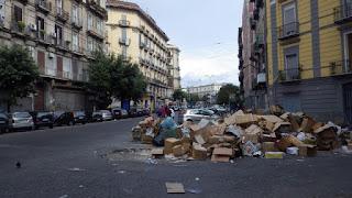 ナポリのゴミの山