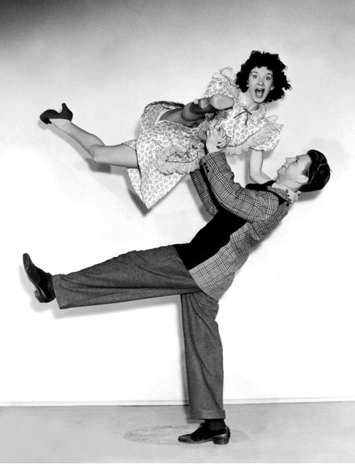 Peggy Ryan & Donald O'Connor, 1944 Bowery to Broadway #vintage #lindy #hop #dancing