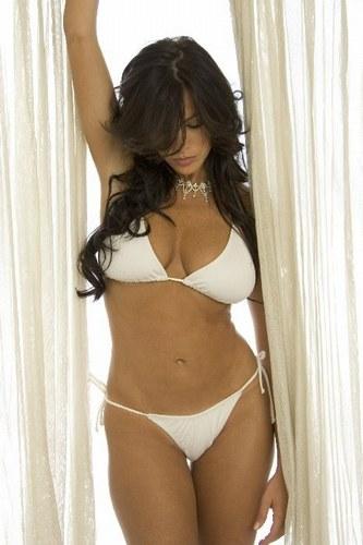 http://3.bp.blogspot.com/-OajG6OHr0s8/TidRl4AzF9I/AAAAAAAAFks/tS8ymDSZBUg/s1600/sofia-vergara-photos-pics-bio-hot-bikini-.jpg