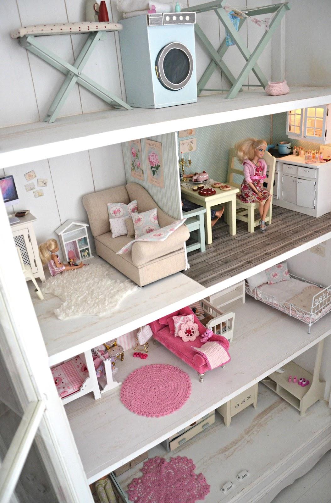 Itse tehty barbie talo