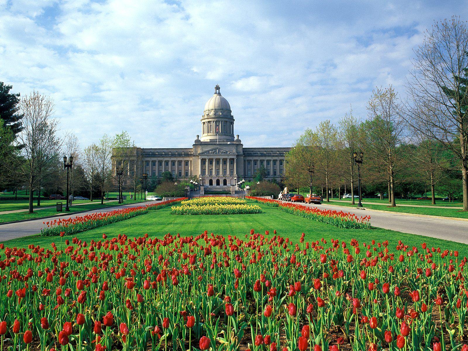 http://3.bp.blogspot.com/-Oap1HUNpg-E/UA7BzVsUIEI/AAAAAAAADwg/4DO0lqiXYa0/s1600/Kentucky+State+Capitol+Building,+Frankfort,+Kentucky.jpg