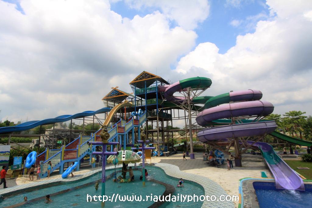 Labersa Waterpark Riau Daily Photo