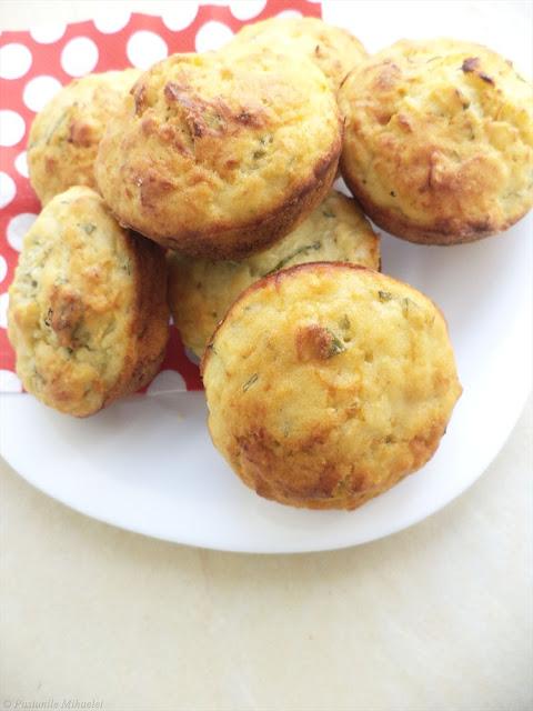 Muffins cu dovlecei si busuioc