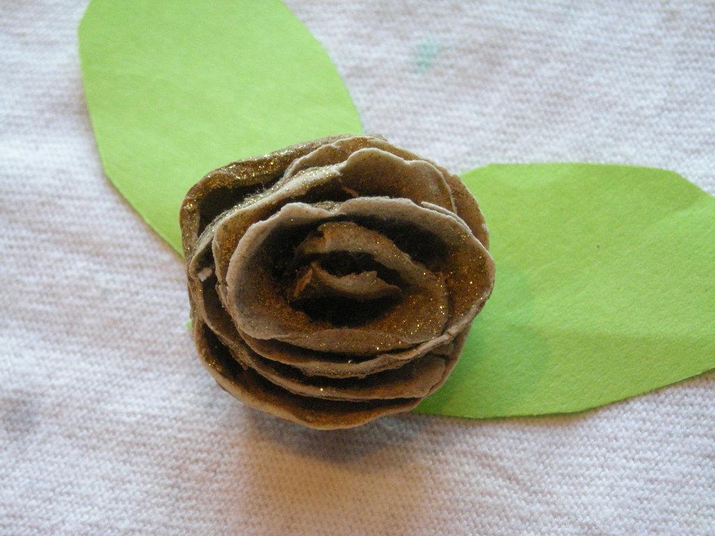 DIY Roser af kartoffelskræl