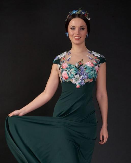 hafty krzyzykowe na sukniach