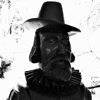 Busto de Francis Bacon: político e filósofo inglês. Considerado fundador da ciência moderna.