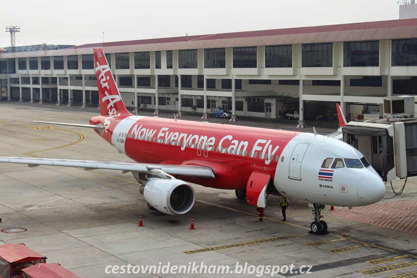 letadlo Bangkok - Phuket // AirAsia airplane