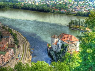 Pertemuan Sungai Uelzen dan Inn di Passau, Jerman.