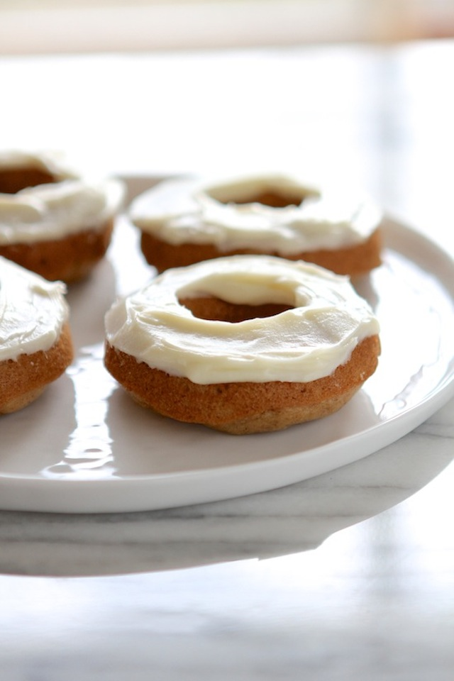 Translate Carrot Cake With A Cream Cheese Frosting French