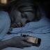 Γιατί οι επιστήμονες απαγορεύουν τα βραδινά sms;